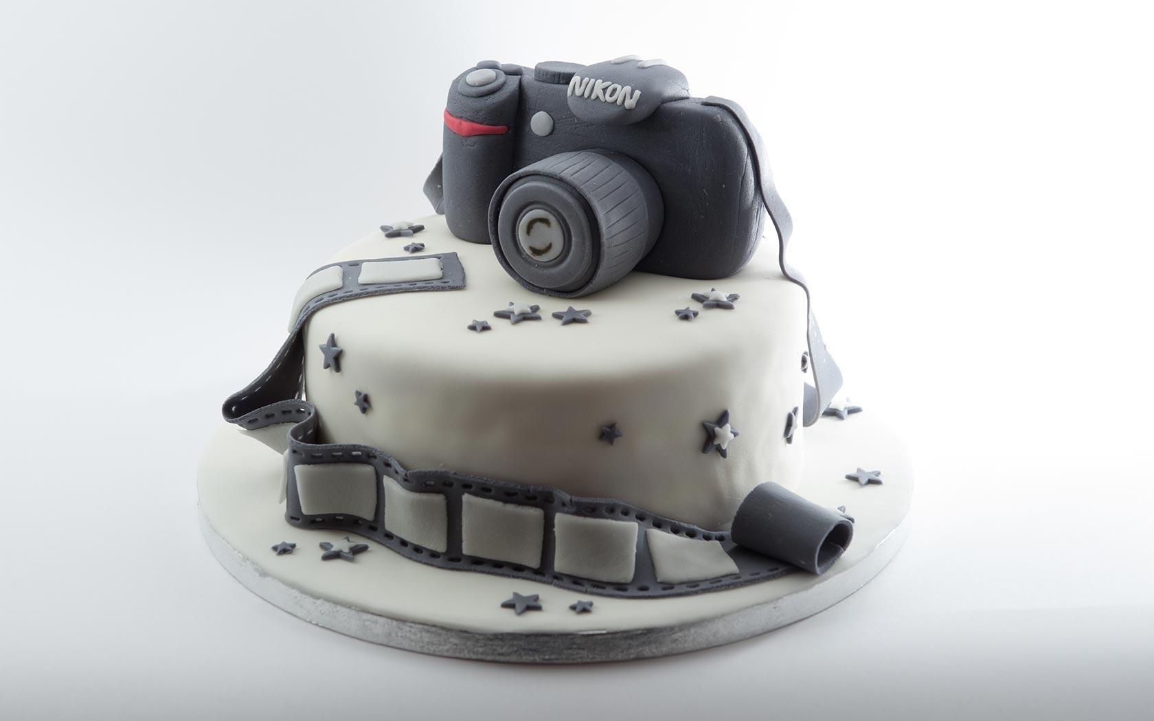 Torte pasta di zucchero macchine torta in pasta di for Blaze e le mega macchine youtube